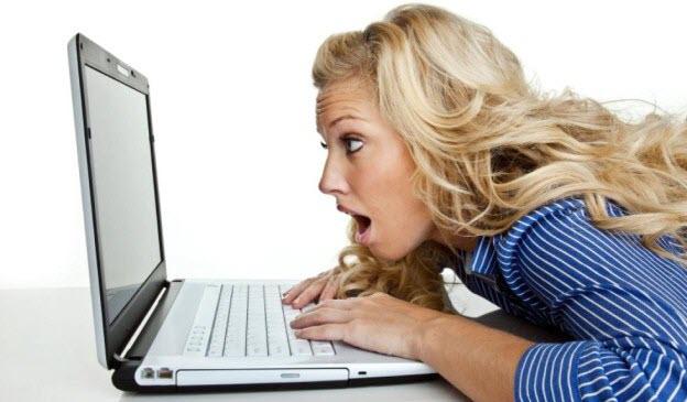IT-čkári rozdeľujú ženy rozdeľujú ženy 12 typov, ako IT-čkári rozdeľujú ženy zena na internete notebook prekvapeny vyraz