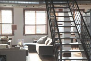 stairs-home-loft-lifestyle kam zobrať ženu po vydarenom rande 6 skvelých miest na sex, kam zobrať ženu po vydarenom rande stairs home loft lifestyle 300x200