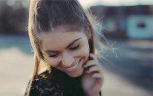 žena obrázok ako dávať ženám komplimenty Kompletný návod: Ako dávať ženám komplimenty správne   ena obr  zok