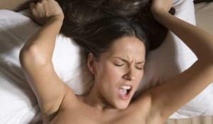 15 minútový ženský orgazmus predohra Predohra – aké chyby robia chlapi a pripravujú sa tým o úžasný sex? zensky orgazmus 300x174