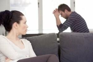 3 najčastejšie klamstvá v partnerskom vzťahu snaha zmeniť druhých Prečo snaha zmeniť druhých nikam nevedie? zly vztah muz zena smutny 300 x 200