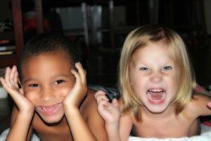 čo ženy na mužoch neznášajú - uspolené dieťa  čo ženy na mužoch neznášajú 5 vlastností, ktoré ženy na mužoch neznášajú kids 143022 640 300x200