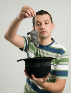 ako byť charizmatický 4 magické ingrediencie – Ako byť charizmatický muz vytahuje z klobuka mys1 230x300