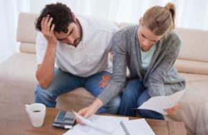 Ako si podeliť financie v partnerskom vzťahu? chceme spolu bývať Si pripravený na spoločné bývanie s ňou? financie v partnerskom vztahu 300x195