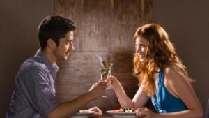 prvé rande  od randenia ku vzťahu Nebezpečenstvo, ktoré ťa na ceste od randenia ku vzťahu čaká mu   se   enou na rande 300x169