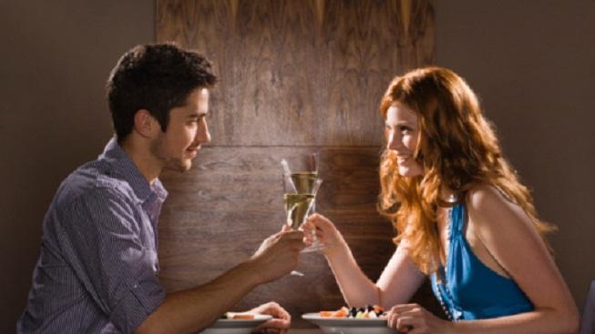 chýb pri komunikácii [4/10] Skáčeš z témy do témy | 10 chýb pri komunikácii mu   se   enou na rande