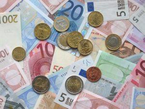 financie v partnerskom vzťahu-riešenie  financie v partnerskom vzťahu Ako si podeliť financie v partnerskom vzťahu? euro 1159935 640 300x225