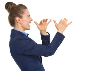 Žena egoistka nie je nič moc, ver mi.  5 typov nebezpečných žien 5 typov nebezpečných žien, s ktorými určite nechoď do vážneho vzťahu bigstock Happy Business Woman Teasing 48999839