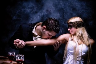 JAKO (ne)jít DIRECT na ženu? direct oslovění Tvoje direct oslovění – nejlepší tipy, triky techniky a rady muz bozkava zene ruku