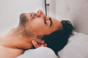 muž spí chyby pri sexe Tieto chyby pri sexe (Afterparty) ťa môžu pripraviť o ďalší sex man 909049 640 300x200