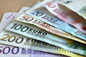 peniaze  ako zarobiť peniaze [Peniaze 4/4] 5 rýchlych tipov, ako si nájsť robotu či zarobiť peniaze bank note 209104 640 300x200