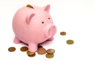 peniaze ušetriť, prasiatko, ako zarobiť peniaze, úspory, ako šetriť ako zarobiť peniaze [Peniaze 4/4] 5 rýchlych tipov, ako si nájsť robotu či zarobiť peniaze business money pink coins 1