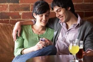 Pár sa zoznamuje na káve ako si udržíš a oživíš vzťah [10/10] Ako si udržíš a oživíš vzťah? | 10 krokov do vzťahu P  r na k  vi  ke Dollarphotoclub 32101237 312 x 208