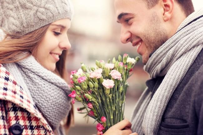 žena chce byť zbožňovaná mužom, ako zbaliť ženu (650 x 433) ako zbaliť ženu 11 rozdielov medzi randením so ženou a s dievčaťom   ena chce by   zbo    ovan   mu  om 650 x 433