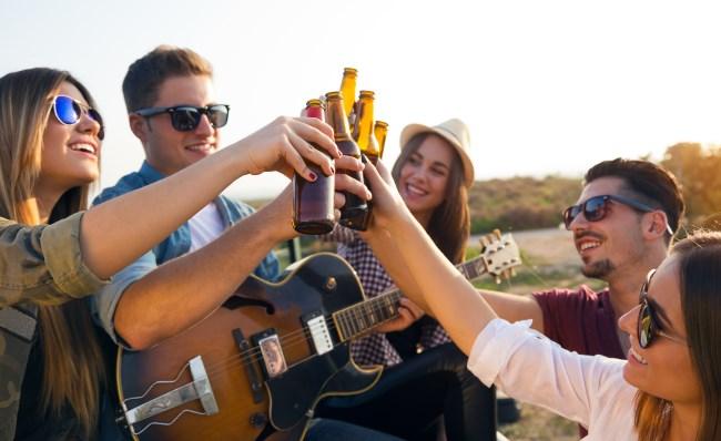 partie_kamarátstva_relax_vonku (650 x 398) ako zbaliť ženu 11 rozdielov medzi randením so ženou a s dievčaťom partie kamar  tstva relax vonku 650 x 398
