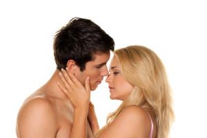 sexi párik, pred bozkom, príbehy, zviesť ženu, tesne pred bozkávaním príbehy 27 techník pre charizmatickejšie rozprávanie príbehov (2. časť) bigstock Couple Has Fun Love Eroticis 8963191 300x200