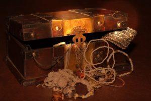 Ako odhalíš svoju hodnotu - poklad  ako zvýšiť svoju hodnotu [2/10] Ako zvýšiť svoju hodnotu? | 10 krokov do vzťahu treasure chest 619762 640 300x200