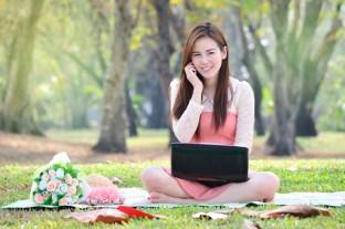kamarátstvo 4 kategórie, do ktorých žena zaraďuje chlapov… Do ktorej patríš TY? zaneprazdnena zena pise na pocitaci telefonuje mala rande kvety 312 x 207