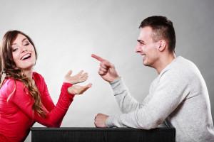 Ako zabaviť ženu, ako zaujať ženu, ako rozosmiať ženu, vtipné rande zabaviť ženu Najlepší spôsob, ako zabaviť ženu. Takto stúpne tvoja príťažlivosť bigstock Happy Couple Talking On Date 94617335 300x200