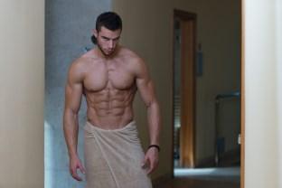 sexi chlap v uteráku, vychádza zo sprchy (312 x 208) príbeh úspechu SÚŤAŽ: Vyhlásenie víťazov! Prečítaj si Príbeh úspechu 3 chlapov, ktorí to dokázali sexi chlap v uter  ku vych  dza zo sprchy 312 x 208