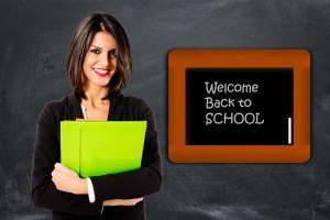 učiteľka, vitaj späť v škole (600 x 400) chodiť s učiteľkou 15 dôvodov, prečo sa oplatí chodiť s učiteľkou u  ite  ka vitaj sp     v   kole 600 x 400 300x200