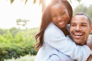 věci, které ženy milují na mužích - humor  věci, které ženy milují na mužích 7+1 věcí, které ženy milují na mužích couple 1030744 640 300x200