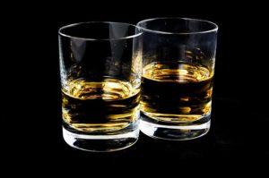 Balenie a alkohol: alebo ako nezničiť rande  ako nezničiť rande Balenie a alkohol: Koľko je tak akurát a koľko už príliš? drink 428319 640 300x199
