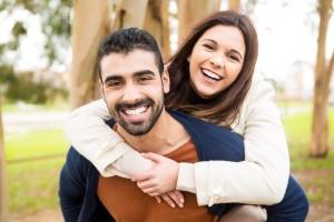 objímajúci sa pár (600 x 400) spokojená žena Bude někdy spokojená žena? obj  maj  ci sa p  r 600 x 400 300x200
