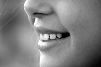 žena nos,prečo som len kamarát, friendzone, kamarát taky rád prečo som len kamarát Vďaka tejto jednej prekvapivej chybe skončíš VŽDY len ako kamarát z  ena nos  e1470677009429