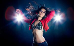 sexuálne komplimenty tanec ako dávať ženám sexuálne komplimenty Ako dávať ženám sexuálne komplimenty bez toho, aby si vyzeral ako úchyl komp3 300x188