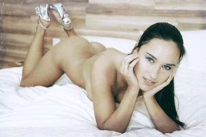 Nahá žena na posteli  chyby pri sexe Aj tieto chyby pri sexe môžu zapríčiniť, že sa už viac neozve woman 499756 640 300x200