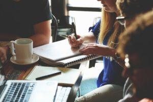 """stretnutie ako zvýšiť svoju hodnotu #1 Praktický spôsob, ako zvýšiť svoju hodnotu a priťahovať """"osmičky až desiatky"""" stretnutie  300x200"""