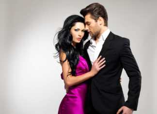 prirodzene príťažliví chlapi, sexi pár, muž a žena, charizma muž, mužný výzor