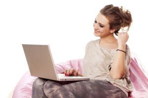 zoznámenie cez internet online balenie Nepoužívaj tieto tajné psychologické spúšťače, ak nechceš, aby ti ženy odpisovali (a to rady) zoznamenie cez internet 300x200
