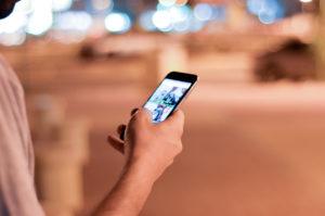 muz_zoznamka_socialne_siete konverzácia Je vaša konverzácia na bode mrazu? Skús toto! muz zoznamka socialne siete 300x199