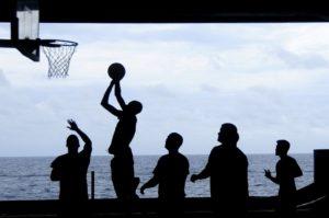 introvert [Pýtaj sa Michala] Ako byť viac spoločenský, keď som introvert? basketball   port kolekt  v spolo  nos
