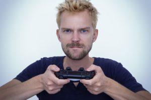 gamer, hrac, pocitacove hry vyššia obtiažnosť Zvoľ si VŽDY vyššiu obtiažnosť game 4479445 1280 300x200