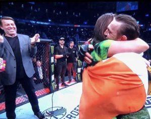 Ako Conor McGregor vyhral v prvej minúte za podpory Tonyho Robbinsa conor 300x236