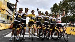 zmena Ako sa zmenou o 1 % stal britský cyklistický Team Sky najúspešnejším tímom v histórii (aj keď dovtedy 100 rokov nevyhrali!) geraint thomas team sky 2018 tour de france winner gettyimages 1007337454 300x169
